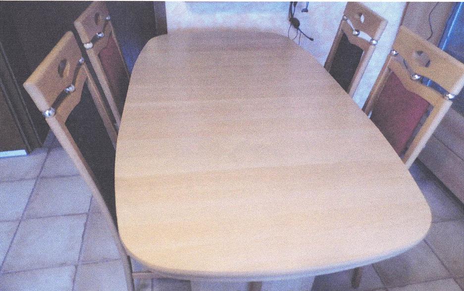 Möbelstück 1   Esstisch sehr gute Qualität